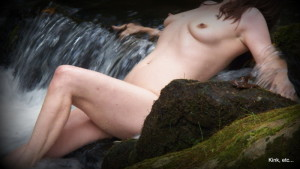 1-009 naked in water fall